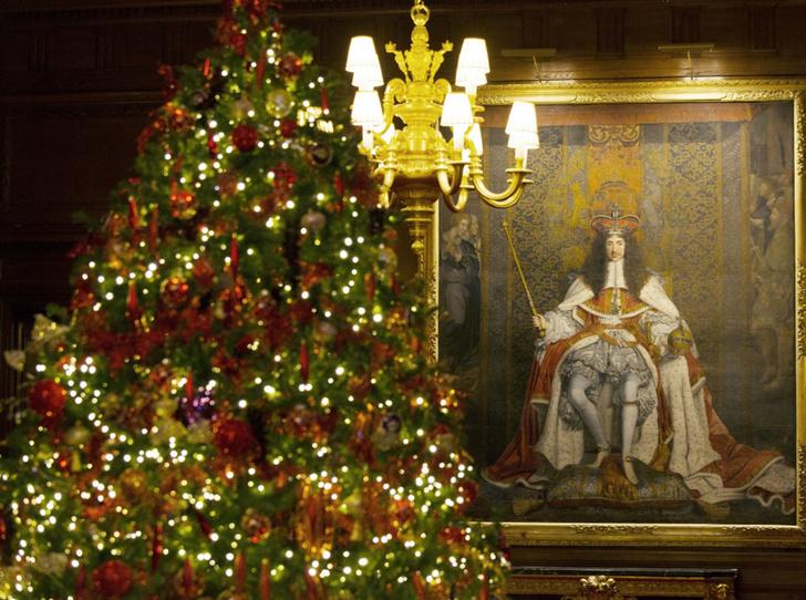 Фото №5 - Праздничное убранство резиденций королей и президентов в ожидании Рождества и Нового года