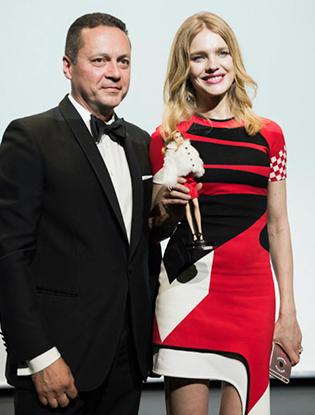 Фото №3 - Наталья Водянова стала прообразом Barbie-благотворительницы