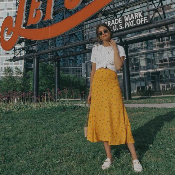 Фото №3 - Длинная юбка в стиле коттеджкор: смотри, с чем носить этим летом