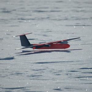 Фото №1 - Летающие роботы над Антарктидой
