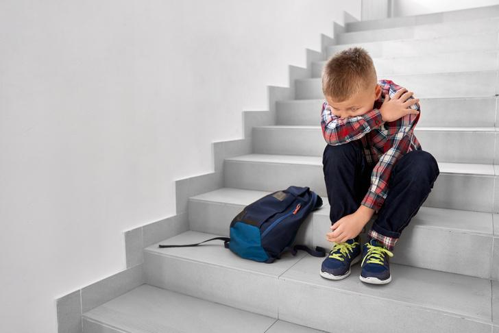 учитель не пустила ребенка в туалет ребенок обкакался на уроке, скандал в школе, жестокость учителя, жестокие учителя, реальная история