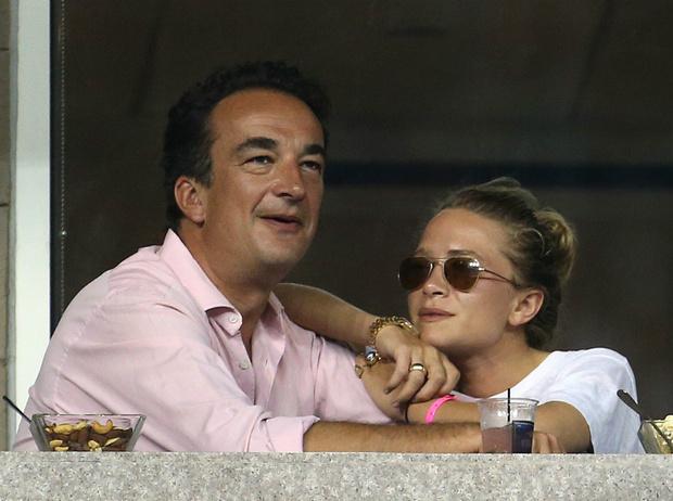 Фото №2 - «Некрасивый развод»: что известно о расставании Мэри-Кейт Олсен и Оливье Саркози