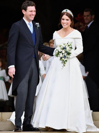 Фото №15 - От Елизаветы до Летиции: секретные детали свадебных платьев принцесс и герцогинь
