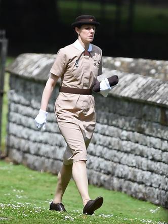Фото №2 - Старомодная аристократическая традиция, которой подчиняется принцесса Шарлотта