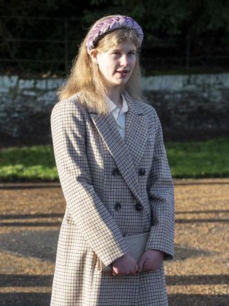 Фото №5 - Самая стильная в БКС: главный модный секрет Софи Уэссекской