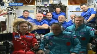 Фото №2 - Космическая красота: почему у Пересильд в космосе распущенные волосы