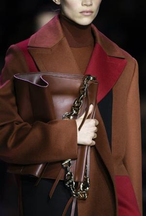 Фото №6 - Самые модные сумки осени и зимы 2020/21
