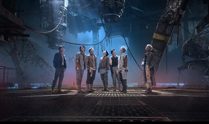 Фото №3 - Как связаны российские заброшенные корабли и планета BTS из клипа «My Universe»? ✨