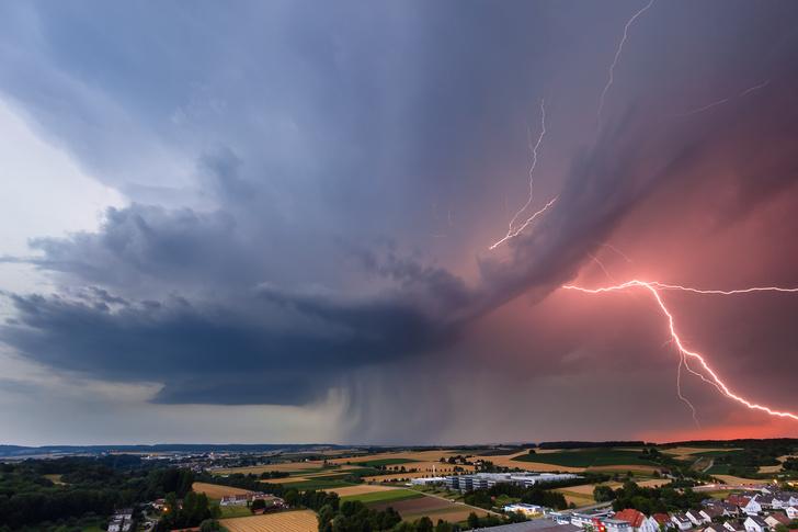 Фото №1 - Куда чаще всего на Земле бьют молнии