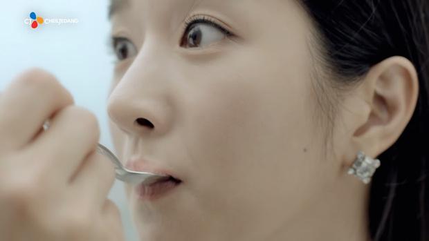 Фото №2 - Звезды сериала «Псих, но все в порядке» Ким Су Хён и Со Йе Джи чуть не поцеловались еще 6 лет назад
