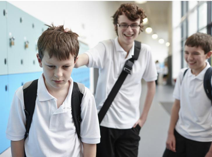 Фото №3 - Что делать, если ребенка обижают в школе: советы психолога