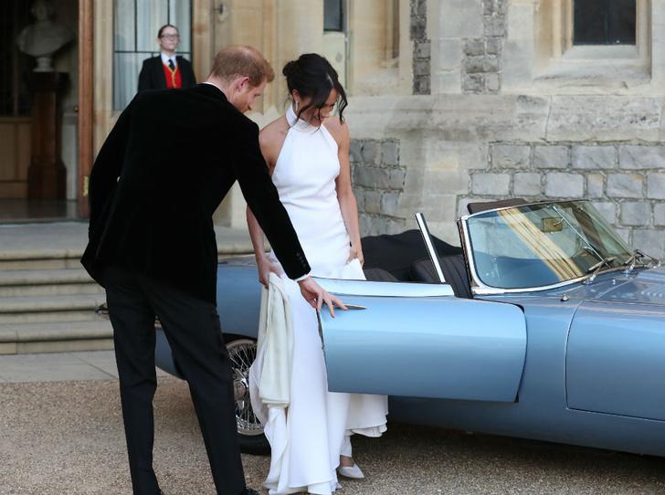 Фото №4 - Сколько стоила свадьба Гарри и Меган (и сколько на ней удалось заработать)