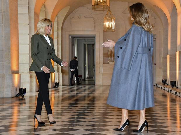 Фото №13 - 18 фотографий Брижит Макрон и Мелании Трамп, доказывающих, что их дружба – это серьезно