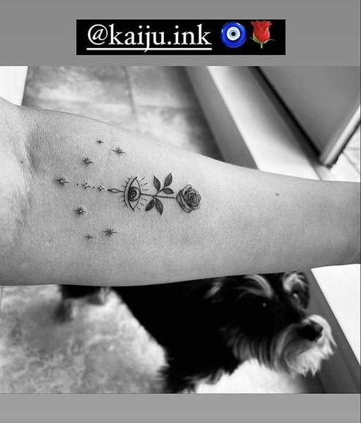 Фото №1 - Лили Рейнхарт сделала татуировку, скорей смотри! 😍