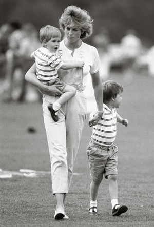 Фото №4 - Мама Их Высочеств: как герцогиня Кейт общается с Джорджем, Шарлоттой и Луи