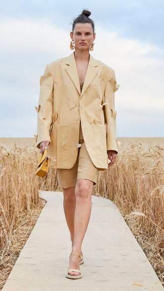 Фото №14 - В полном объеме: как носить вещи oversize