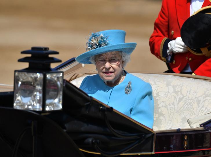 Фото №6 - Trooping the Colour 2018: Меган Маркл, Кейт Миддлтон и другие члены королевской семье на ежегодном параде