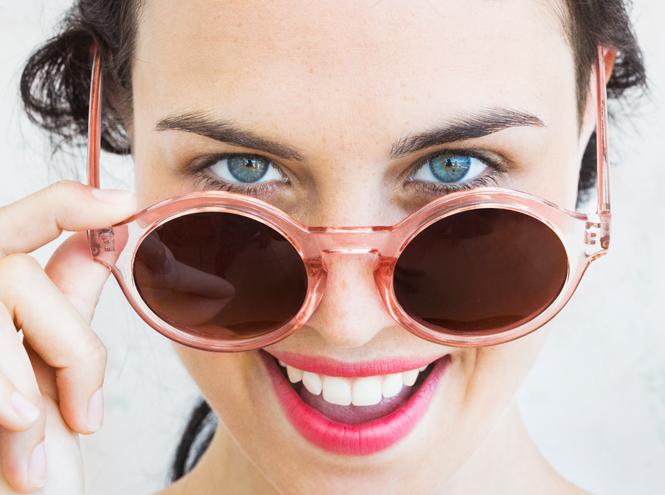 Фото №2 - Главные ошибки в уходе за кожей вокруг глаз и 13 средств, которые их исправят