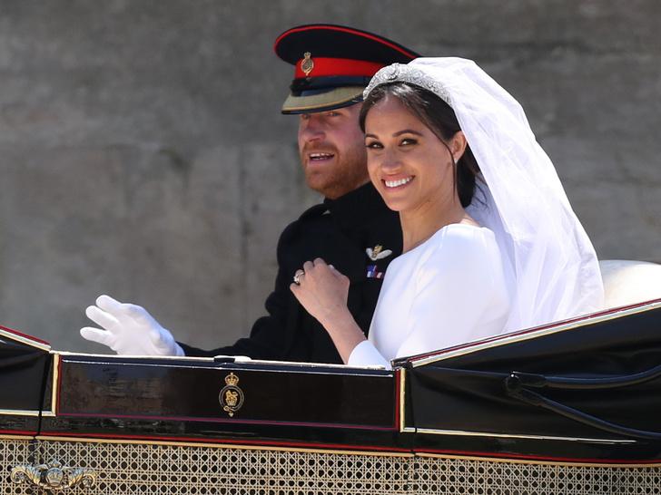 Фото №3 - Перезагрузка: зачем Гарри и Меган вторая свадьба