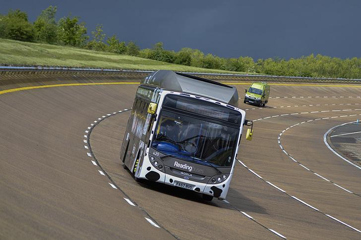 Фото №1 - Автобус на биотопливе поставил рекорд скорости