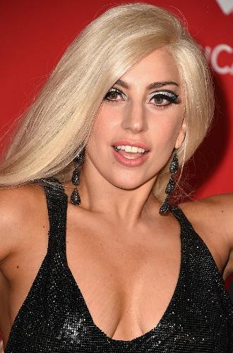 Фото №25 - Как хорошела Леди Гага: все о громких бьюти-экспериментах звезды