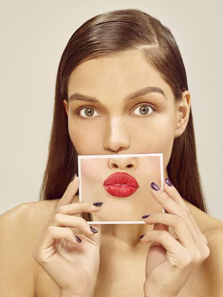 Фото №3 - Без филлеров и операций: как визуально увеличить губы