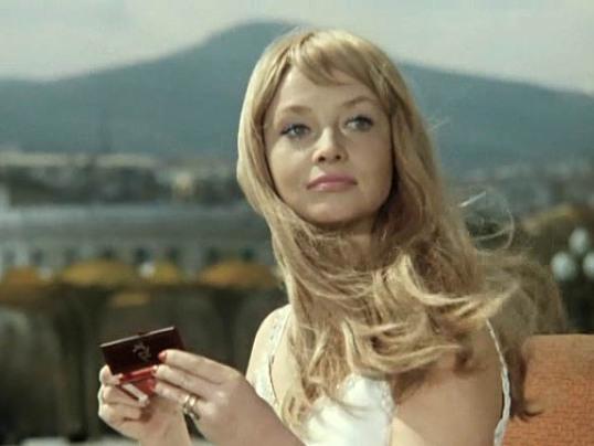 Фото №1 - Моя «Прелесть»: легендарная косметика времен СССР