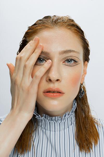 Фото №8 - В стиле «Ривердейла»: как повторить макияж Шерил Блоссом