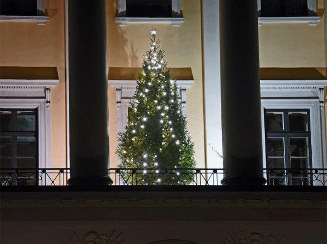 Фото №14 - Праздничное убранство резиденций королей и президентов в ожидании Рождества и Нового года