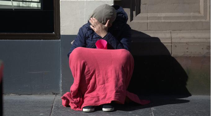 Зачем мы подаем милостыню