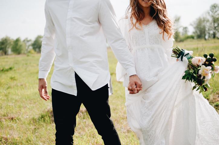 Фото №1 - 15 свадебных традиций, которые сегодня кажутся странными