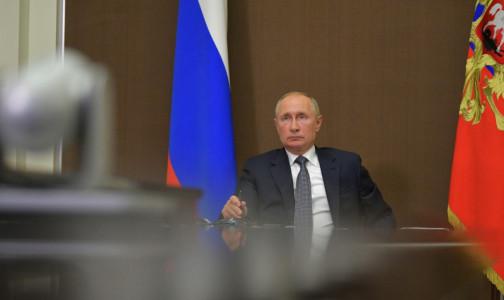 Фото №1 - Владимир Путин наградил петербургских медиков. Главный врач Госпиталя для ветеранов стал Заслуженным врачом РФ