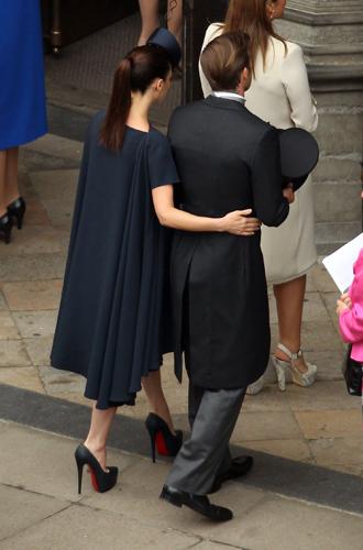 Фото №13 - Свадебный королевский этикет: что можно и чего нельзя делать на бракосочетании Гарри и Меган
