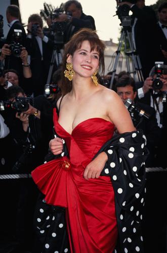 Фото №34 - Войти в историю: 35 культовых платьев Каннского кинофестиваля
