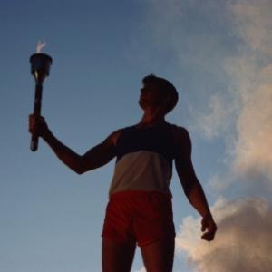Фото №1 - Олимпийский огонь вынуждены прятать