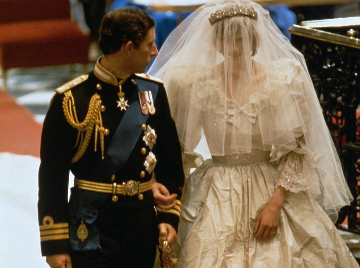 Фото №9 - 6 новых фактов о свадебном платье Меган Маркл