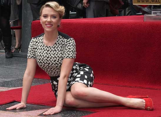 Фото №1 - На голливудской Аллее славы появилась звезда Скарлетт Йоханссон