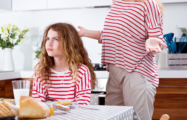 Фото №2 - «Муж усыновил дочь погибшей сестры. Я ее просто ненавижу»