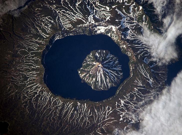 Фото №1 - Место дня. Вулкан Креницына (Сахалинская область)