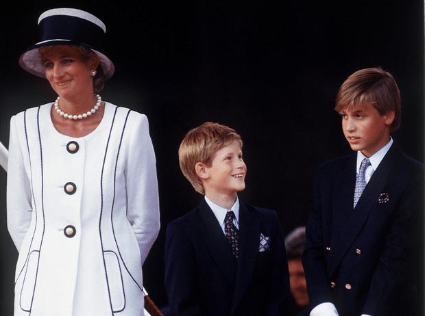 Фото №1 - Почему принц Уильям отказывался разговаривать с Дианой после ее развода