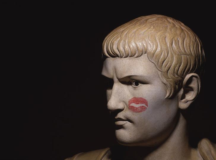 Фото №3 - 9 вдохновляющих фактов о губной помаде