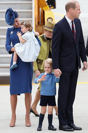 Фото №11 - Малыши-путешественники: первые зарубежные туры королевских детей