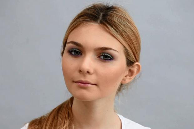Фото №1 - Beauty-уроки Elle Girl: Как сделать макияж цветными тенями