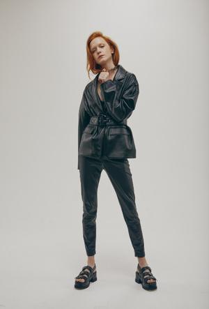 Фото №3 - Капсульный гардероб для весны-2020: коллекция «Снежная Королева» х Lina Dembikova