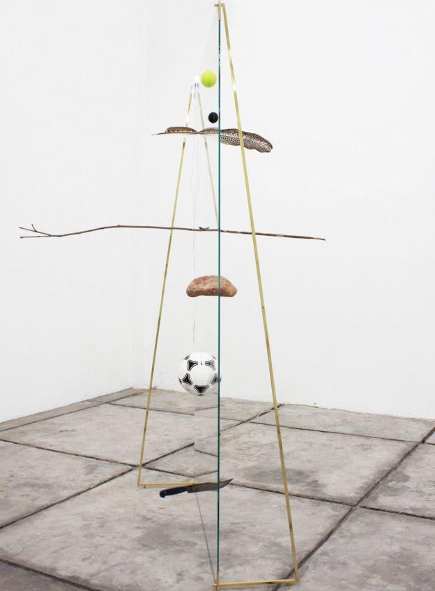 Фото №2 - В Мексике арт-критик хотела показать никчемность экспоната за 20 тысяч долларов и случайно разбила его (фото)
