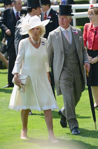 Фото №12 - Чья шляпа лучше: герцогиня Кембриджская и другие на Royal Ascot 2017
