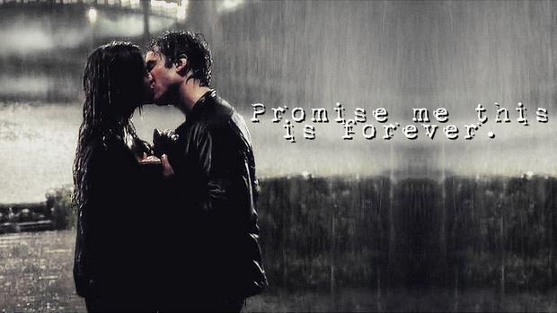Фото №1 - OMG! Йен Сомерхолдер и Крис Вуд спародировали сцену поцелуя под дождем