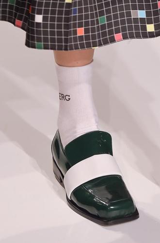 Фото №97 - Самая модная обувь сезона осень-зима 16/17, часть 2
