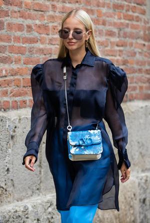 Фото №3 - Хит сезона: 5 способов носить прозрачные вещи и не выглядеть вульгарно