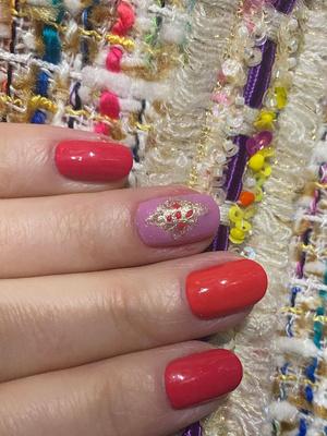 Красота или «колхоз»: Натали показала маникюр, сделанный своими руками